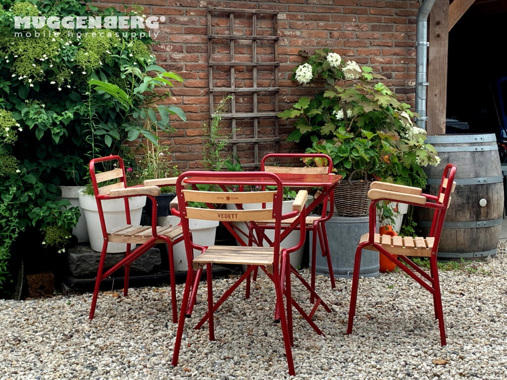 This image has an empty alt attribute; its file name is MB-Vedett-terras-rood-met-leuningen-2-1024x768.jpg